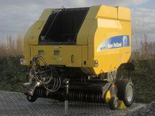 New Holland BR7070PC Rundballen