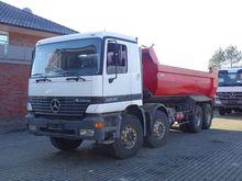 Mercedes-Benz 3235 8x4