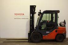 2010 Toyota 02-8FGJF35