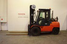 Used 2010 Toyota 02-