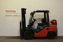 2009 Toyota 02-8FGJF35