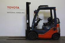 2011 Toyota 02-8FGF15