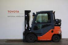 2011 Toyota 02-8FGF25