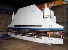 LVD PPNMZ 400T x 6000/8100 CNC
