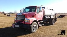 2008 STERLING L7500 PAVING EQUI