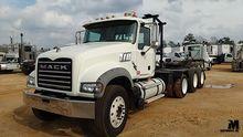 2008 MACK GRANITE GU713 Truck T