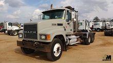 2006 MACK CHN613 Truck Tractors