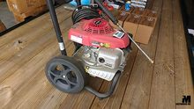 SIMPSON 2800 PSI PRESSURE WASHE