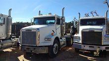 2003 FREIGHTLINER FLD1152 Truck
