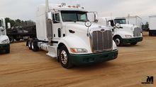 2011 PETERBILT 386 Truck Tracto