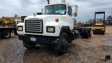 1995 MACK RD690S CAB & CHASSIS