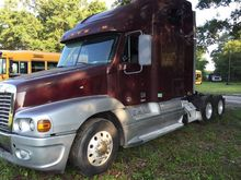 Used FREIGHTLINER CE