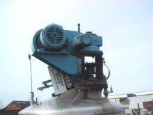 Used 750 GAL. MUELLE