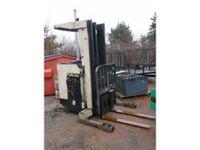 2000 Crown 3520-30 Fork Lift