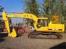 1994 DEERE 690E LC