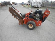 2010 DITCH WITCH RT12 Trencher