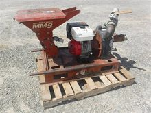 2000 DITCH WITCH MM9