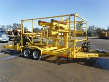 2000 MCELROY LT0048 Trencher