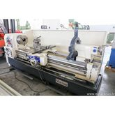 Lathe Vector 600 × 2000 with a