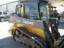 2014 John Deere 323E