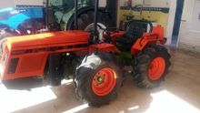 1995 Agria 9940S Orchard tracto
