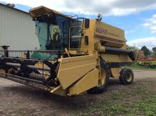 1992 New Holland TF42 Combine h