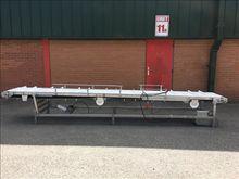 NNP stainless flighted conveyor