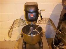 Metcalf Mixers 20 litre Planeta