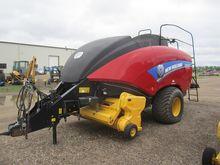 2013 New Holland BIG BALER 330