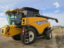 2012 New Holland CR8080