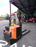 2007 BT Spe 200 Pallet Stacker
