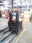 2010 BT SPE 125 Pallet Stacker