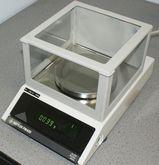 Mettler PM400 Electronic Balanc