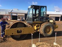 2009 CATERPILLAR CS-533E