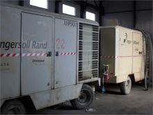 2009 INGERSOLL-RAND XHP900