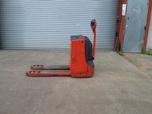 Used 2010 LINDE T18
