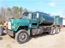 1989 Mack Fuel & Lube Truck
