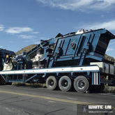 Mobile crawler type mobile crus