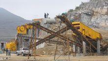 Crushing machinery stone quarry