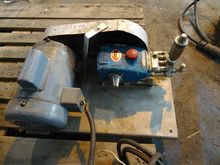 CAT PISTON PUMP, MODEL 420, 2 H