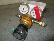 VWR GAS PRESSURE REGULATOR VALV