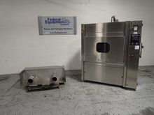 Lynx Cage and Bottle Washer, Mo
