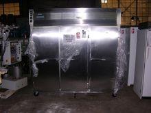 Hotpack 72 CU FT REFRIGERATOR