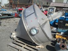 350 GAL STAINLESS STEEL FEED HO