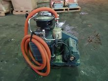 WELCH VACUUM PUMP, MODEL 1373