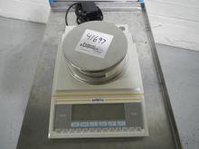 Used Sartorius LP220