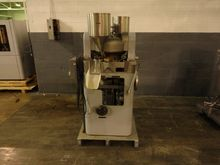 Colton 241 Tablet Press, 41 Sta