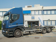 2011 IVECO AS260S42