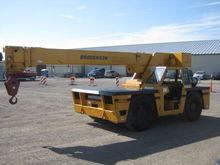 Broderson IC200 Deck Crane