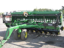 John Deere 750 No-Till Drill